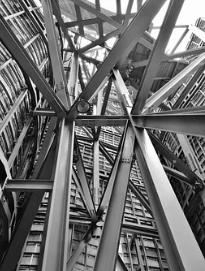 11月11日买钢乐日评:不锈钢加入购物打折潮,期货创出上市以来新低